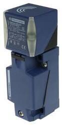 Schneider Electric - SCHNEİDER ELECTRİC KÜBİK FORMAT PNP NA/NK 24/240 VAC/DC ENDÜKTİF SENSÖR 20 MM ALGILAMA 3389119058179